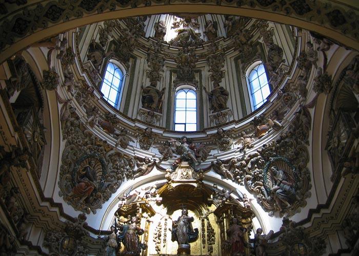 interior iglesia tudela