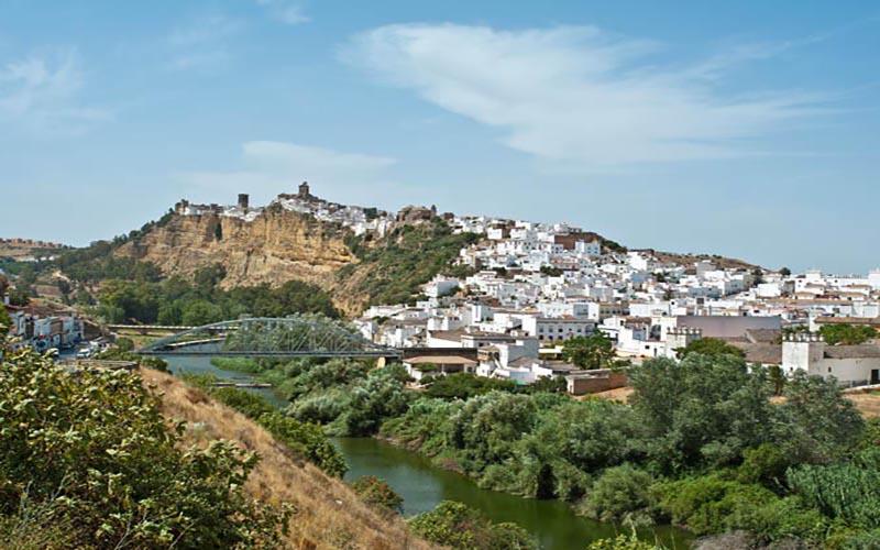 pueblos españoles sobre acantilados