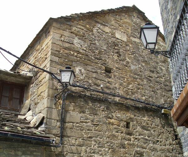 Torre de la cárcel de Broto | Foto: Alfonso Ferber