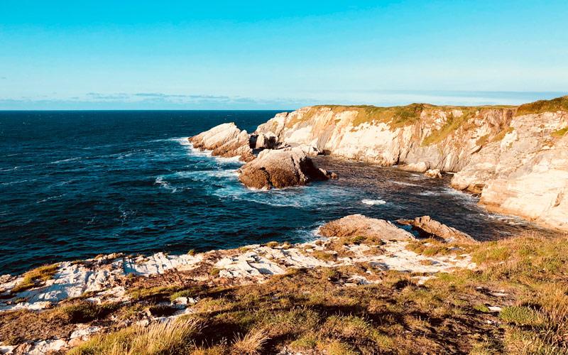Brazo de tierra donde está el castro de Cabo Blanco | Shutterstock