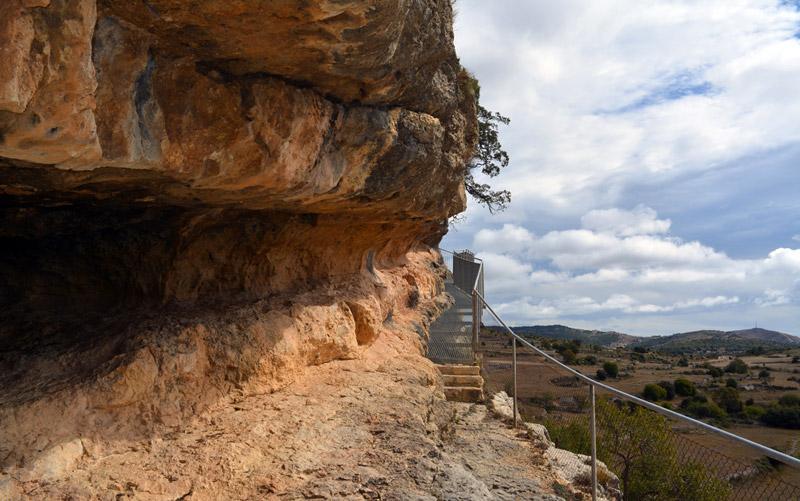 Abrigos de Morella la Vella que acogen las pinturas rupestres levantinas | Foto: morella.net