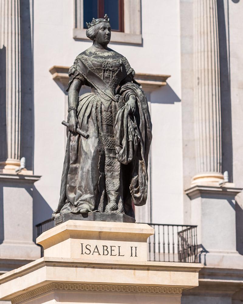 Monumento a Isabel II en Madrid