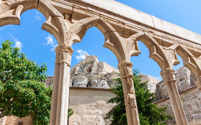 Claustro del Convento de San Francisco en acceso al Castillo de Morella