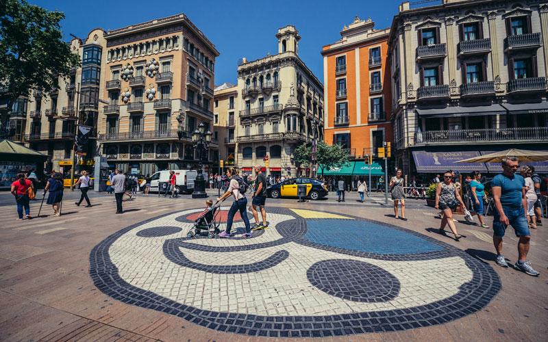 Mosaico de Miró, en Las Ramblas de Barcelona