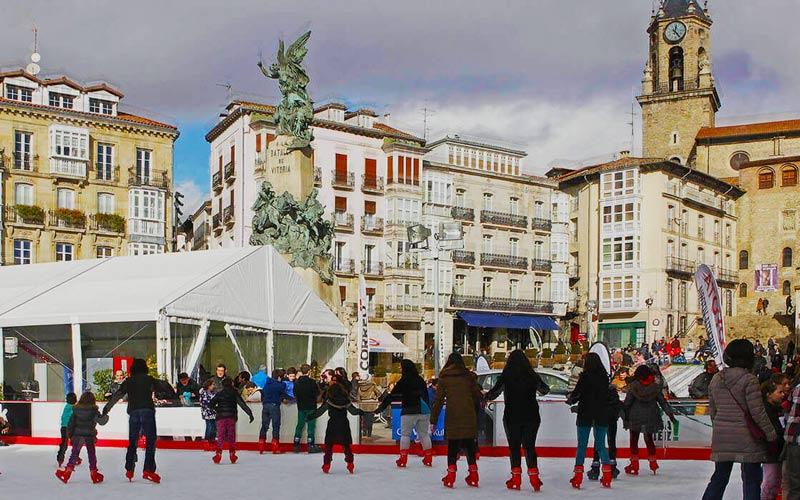 Pista de hielo Plaza de la Virgen Blanca