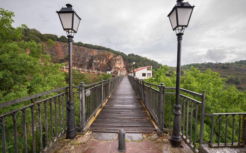 Puente de Hierro en Ortigosa de Cameros