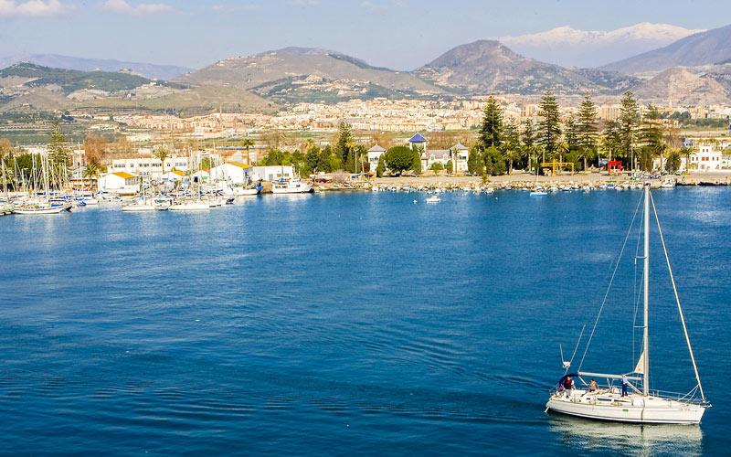 Puerto de Motril en el barrio de El Varadero | Foto: Shutterstock