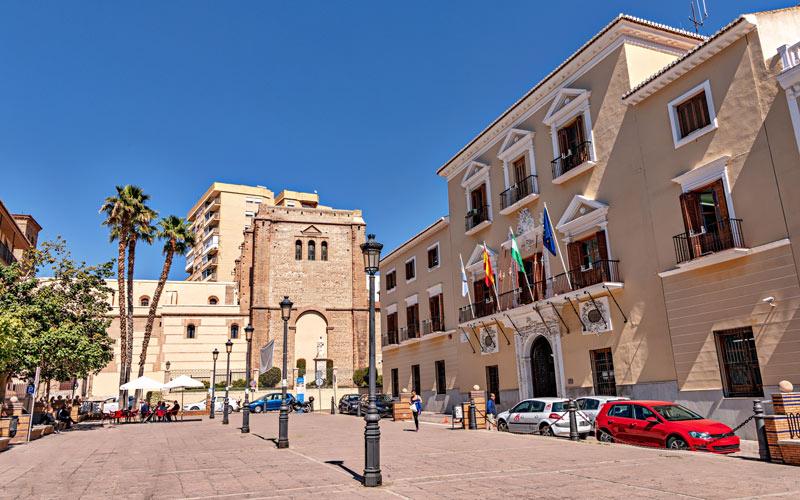 Vistas del ayuntamiento de Motril | Foto: Shutterstock