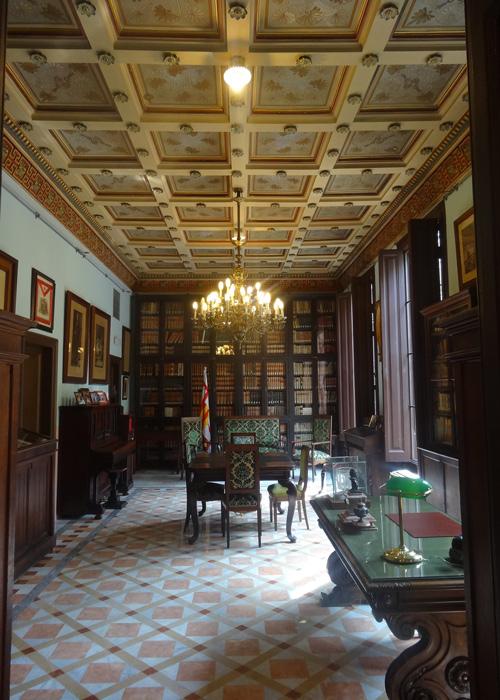 Salas de la Biblioteca Pública Arús