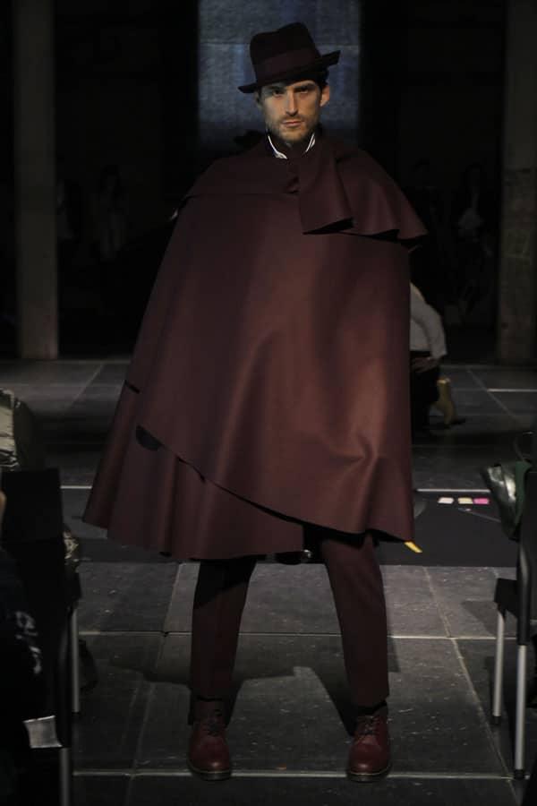 moda Oteyza capa marron