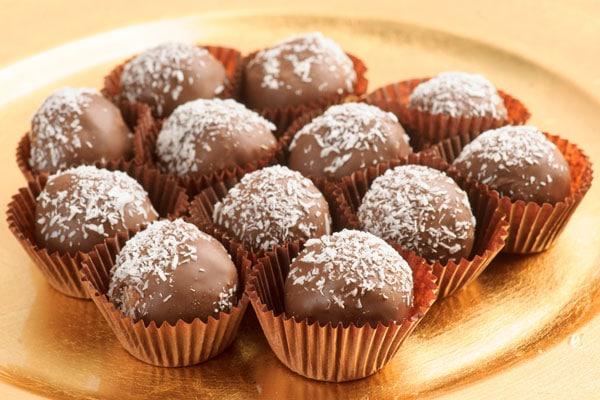 Bombones chocolate rellenos coco
