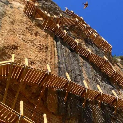 Ruta de pasarelas en las alturas de Aragón
