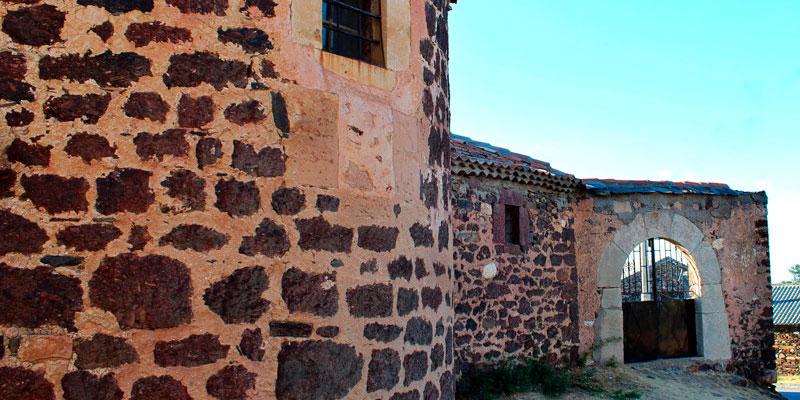 imagen_blog_viaje_pueblos-de-colores_negro_becerril_unbuenplan_gl
