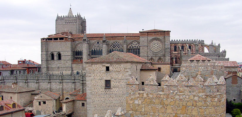 imagen_blog_internacional_Route of Cathedrals in Castile and León_catedral-de-avila_bi