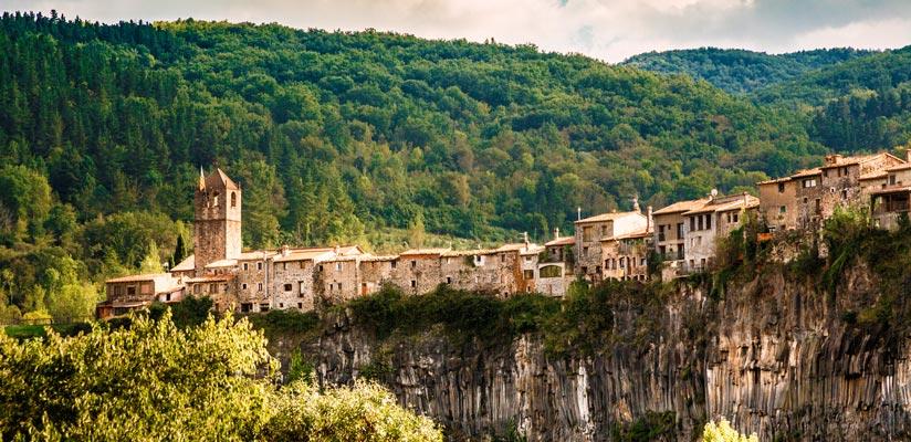 imagen_blog_viajes_pueblos_medievales_cataluña_castellfollit_BI