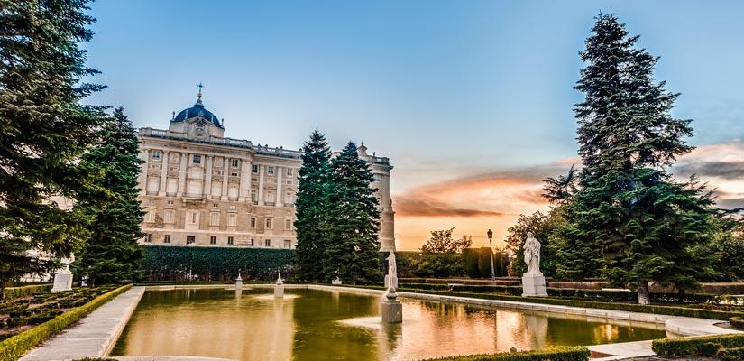 imagen_blog_viajes_ruta-selfie-madrid_palacio-real_BI