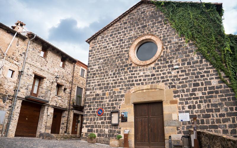 Iglesia de San Salvador en Castellfollit de la Roca