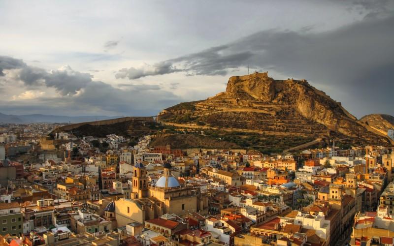 El castillo desde lo alto del monte Benacantil