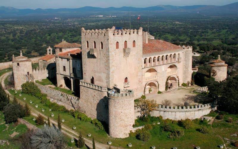 castillos a la venta en España: Sierra de San Pedro