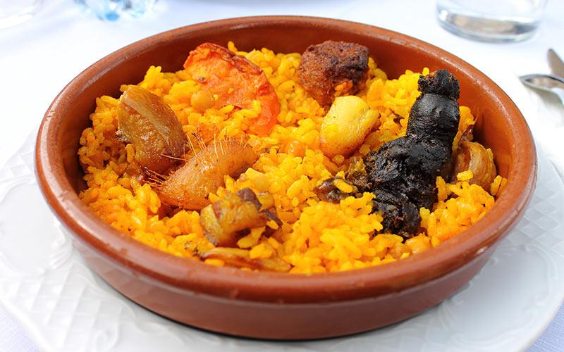 Platos típicos del invierno arroz al horno