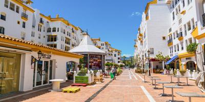 imagen_imprescindible_dormir_andalucia_malaga_puerto_banus