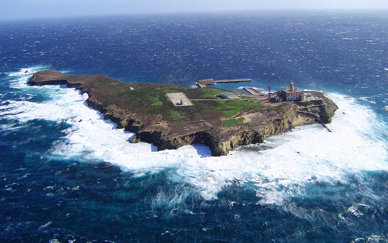 Islas Pequeñas de España Isla de Alborán
