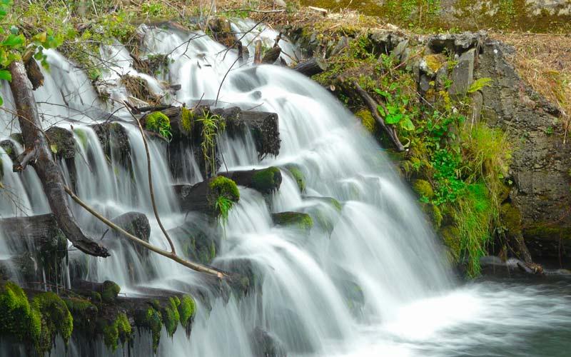 Salto de agua en los alrededores de Cangas del Narcea