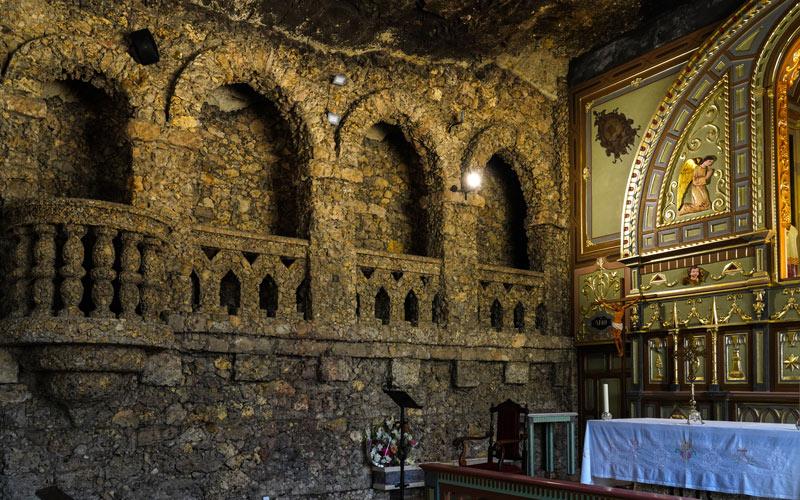 Paredes del interior del Santuario de Calasparra