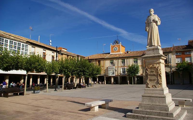 Qué ver en Villadiego, Plaza MAyor. Foto: villadiego.es