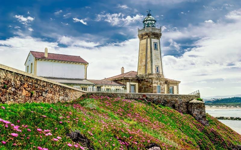 Faro de San Juan en Asturias