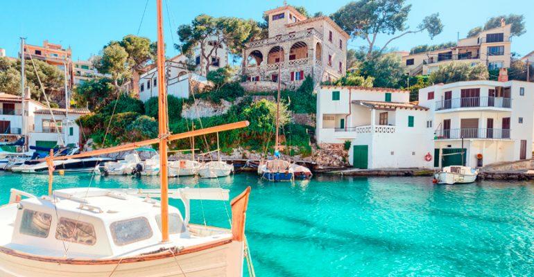 Recorrer Mallorca a vela, una forma diferente de turismo