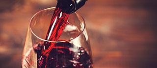 imagen_pequeña_comer_cataluña_santescreus_vino