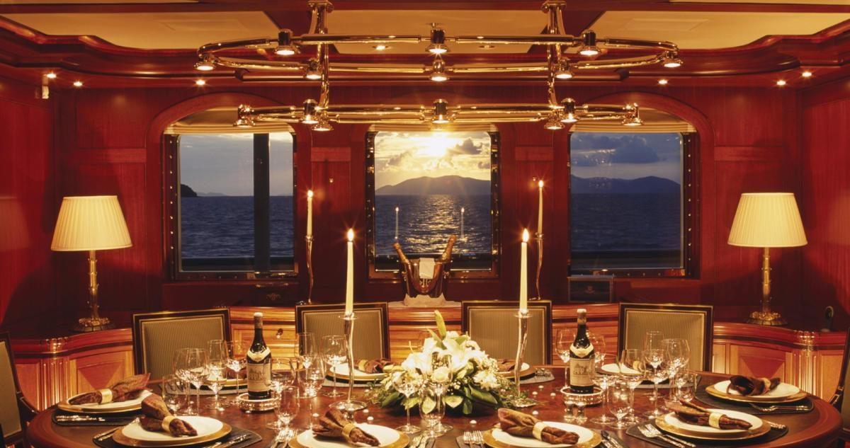 Interior del Athena, uno de los yates que comprar si te tocan los Euromillones