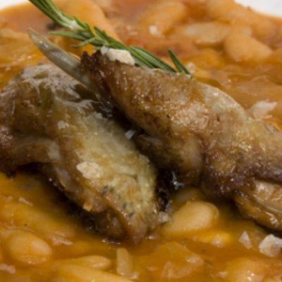 Judías con liebre, receta tradicional de la sierra de Ayllón