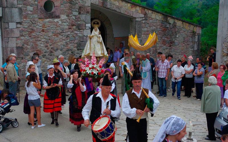 Día de Asturias virgen de Covadonga fiestas de septiembre