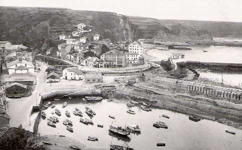 Antigua dársena y Barrio de la Pescadería de Luarca
