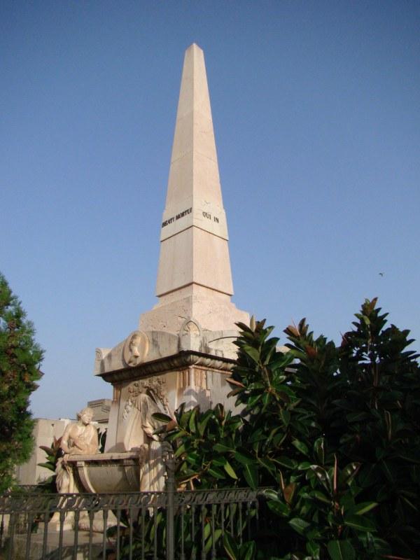 Obelisco de los Marqueses de San Juan museo del silencio valencia cementerio