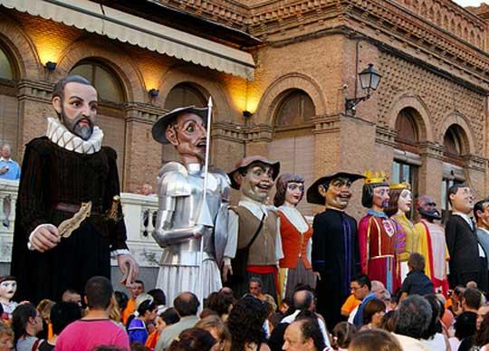 gigantes-fiestas_de_san_bartolome-españa-fascinante