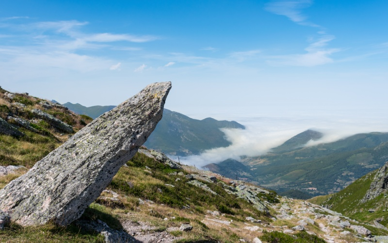 Menhir en la montaña