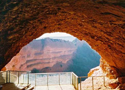 Vista desde el interior de una antigua mina de Las Médulas