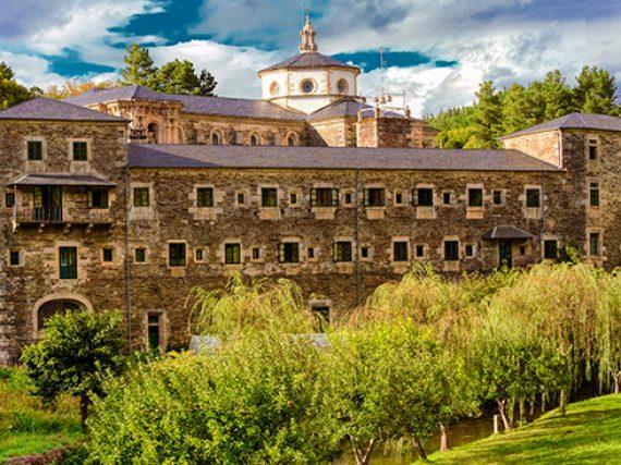 Qué ver en Monasterio de Samos