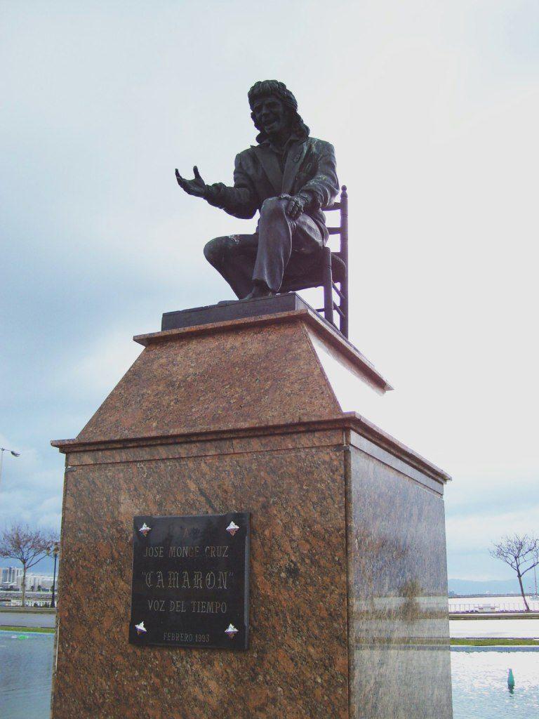 Monumento a Camarón de la Isla en La Línea de la Concepción