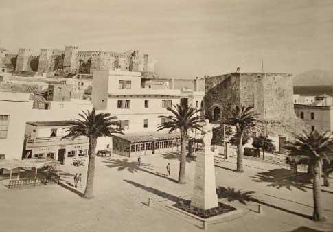 Monumento a Guzmán el Bueno fotografía antigua de Tarifa
