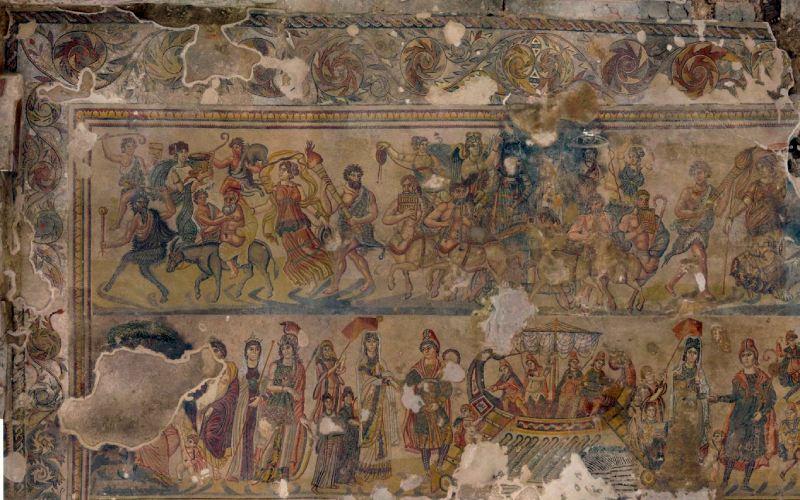 Mitos de Paris y Cortejo de Dionisio en el mosaico de Noheda