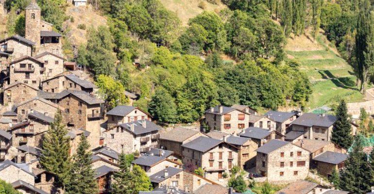 Os de Civís, un pueblo español pero al que no puedes llegar desde España