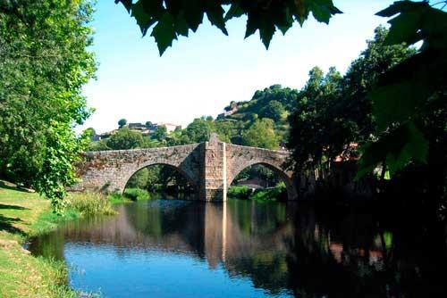puente romanico allariz