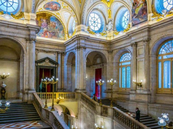 Los Palacios Reales de España, el arte testimonio de la historia