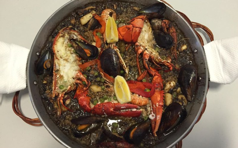 Paella de marisco en El Palanquí de Tamariu