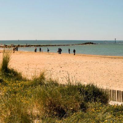 Alivio para las playas del norte: el Gobierno amplía el aforo