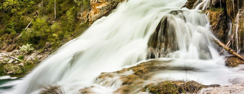 Salto de Poveda en Guadalajara, timelapse de una de las cascadas más espectaculares de España